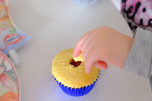 Vanille Muffin mit Marmeladenfüllung 22
